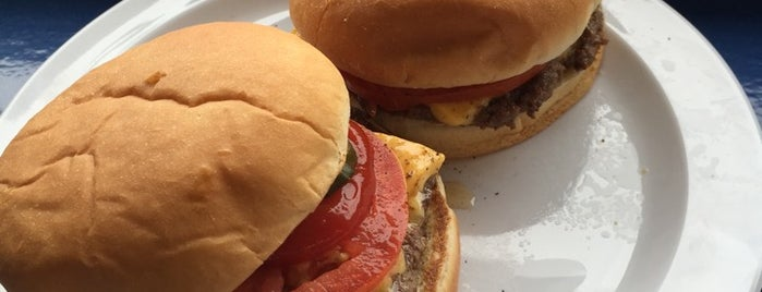Charlie's Hamburgers is one of Fun.