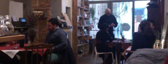 Cuculia Libreria con Cucina is one of Mangiare vegan a Firenze.