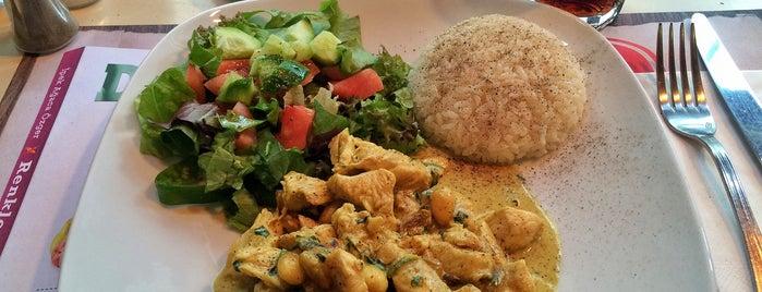 Celine's is one of Nişantaşı'nda Öğle Yemeği Arası.