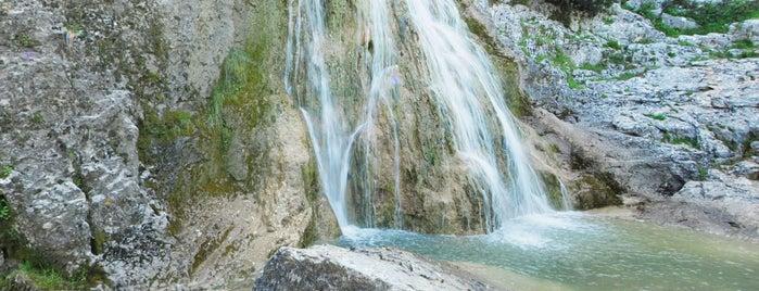La nava, cascada de las chorreras is one of Que visitar en Zuheros.