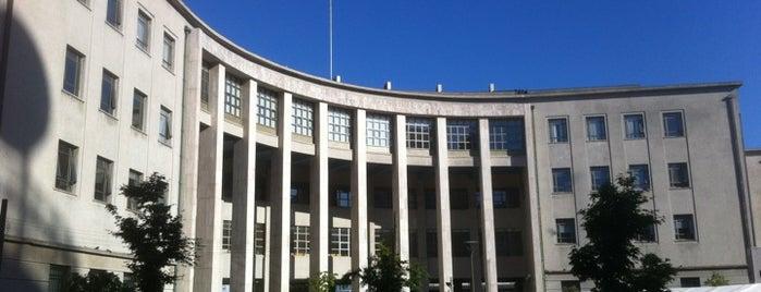 Palacio de Tribunales is one of Penquista de corazón <3.
