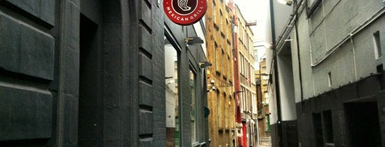Chipotle Mexican Grill is one of Burritos in London.