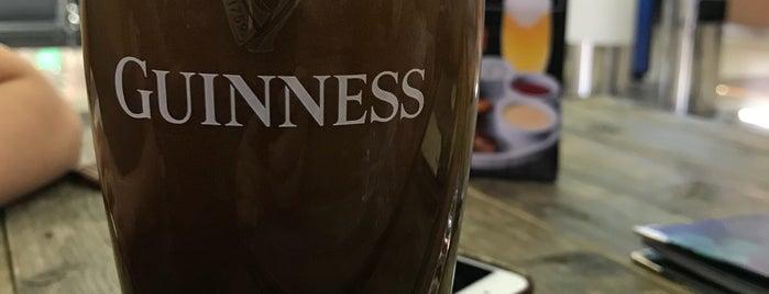 Guiness Irish Pub is one of Пабы.