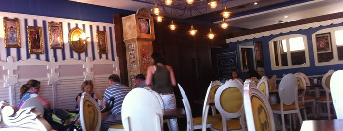 Galipizza & Cía. Pizzbur is one of De mucho us.