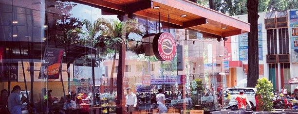 Highlands Coffee @ Diamond Plaza is one of Cafe in SaiGon.