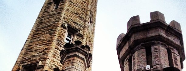 Chicago Water Tower is one of Chi-city Chillin'.