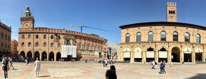 Piazza Maggiore is one of Bologna city.