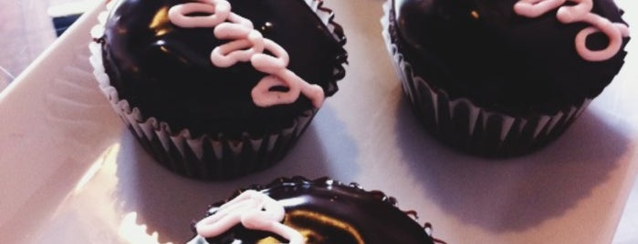 Little Cake Bakery is one of Let's Eat!.