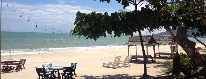 CC Beach Bar is one of Khanom / Thong Ching.