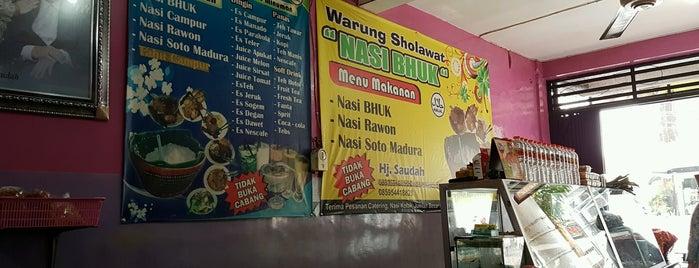 Warung Sholawat Nasi Bhuk is one of Kuliner Malang.