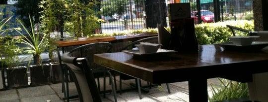 Lin Lan is one of Restaurantes, Bares, Cafeterias y el Mundo Gourmet.