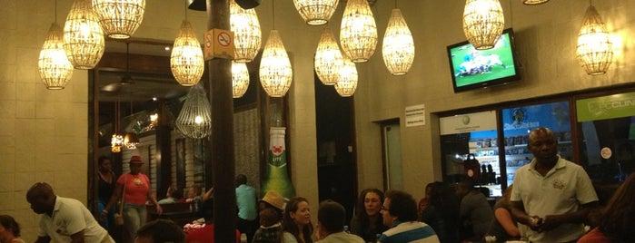Mundo's is one of Restaurantes bons.