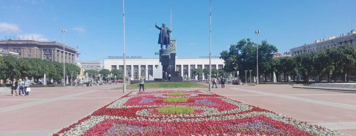 Lenin Square is one of Санкт-Петербург.