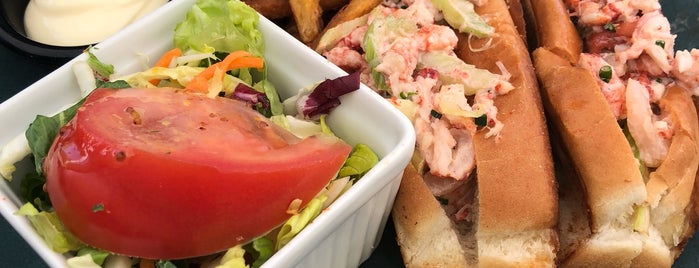 SeaSalt & Ceviche Bar is one of Food Worth Stopping For.