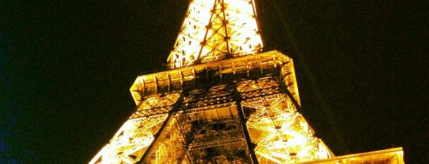 Eiffel Tower is one of I Want Somewhere: Sights To See & Things To Do.