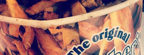 Thrasher's French Fries is one of Must-visit Food in Ocean City.