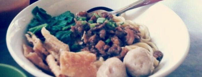 Mie Lekker is one of Favorite Food.