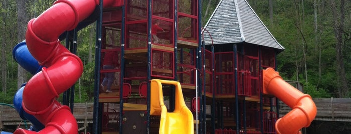Lower Cascades Playground is one of B-town for Kids.