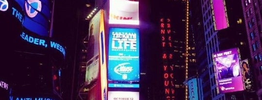 Times Square is one of New York for the 1st time !.