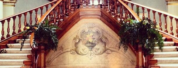 Vidago Palace Hotel is one of Tania.