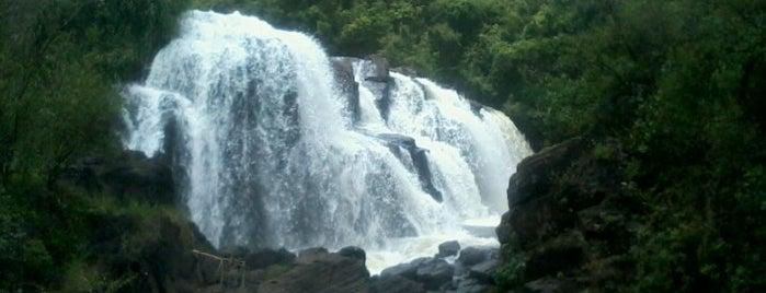 Cachoeira Véu das Noivas is one of Poços.