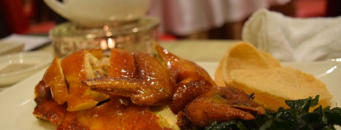 Pak Loh Chiu Chow Restaurant is one of Places to go.