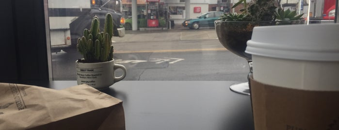 Café de Colombia is one of Work.