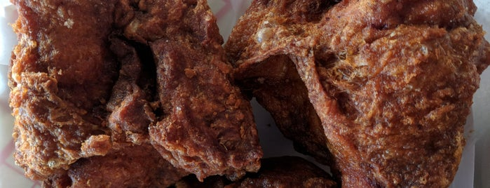 Gus's World Famous Fried Chicken is one of Detroit Lunch Bus.