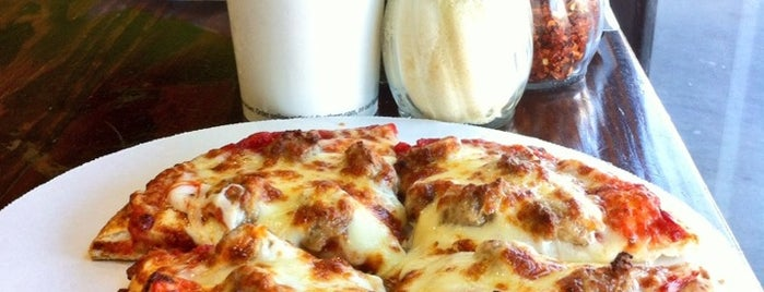 Fresh Brothers is one of The 15 Best Places for Garlic Knots in Los Angeles.