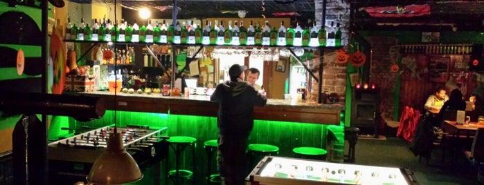 Cool bar is one of můj seznam míst.
