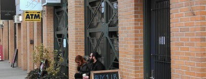 Oslo Coffee is one of Notable Coffee Shops (NYC).