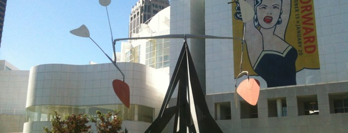 High Museum of Art is one of things to do in atlanta.