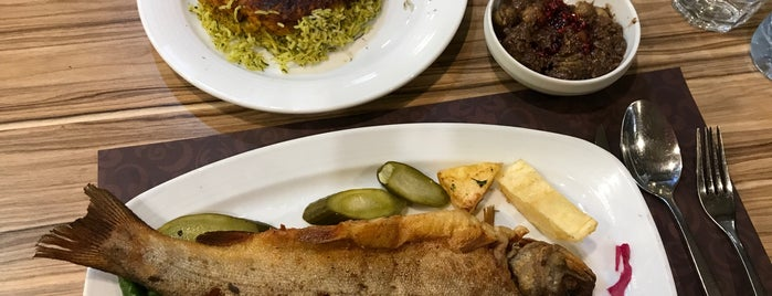 Farzin Restaurant | رستوران فرزین is one of رستورانهای مازندران.