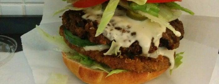 Istvánffi Veggie Burger is one of klassz helyek vega szemmel.