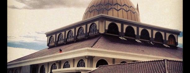Masjid Besar Bentong is one of masjid.