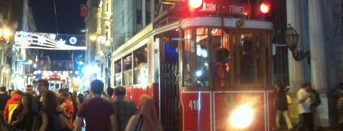 Galatasaray Tramvay Durağı is one of T2 - Nostaljik Tramvay Durakları.