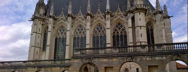 Château de Vincennes is one of Paris.