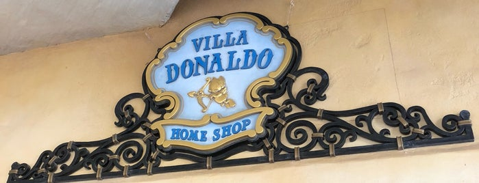Villa Donaldo Home Shop is one of ディズニーシー.