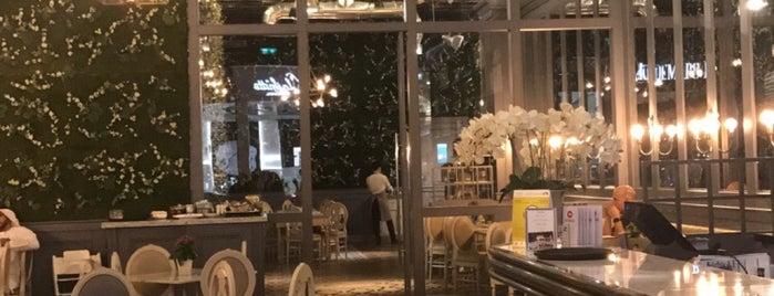 Aubaine is one of Top Restaurants in Dubai.