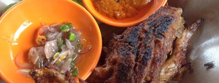 Warung Ikan Bakar Pak Nyoman is one of Bali Culinary.