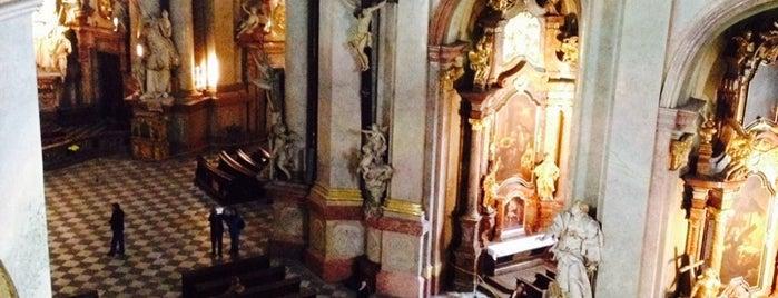 Kostel sv. Mikuláše | St. Nicholas Church is one of Prag - Must see.