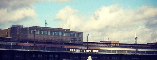 Flughafen Berlin Tempelhof is one of Berlin parks.
