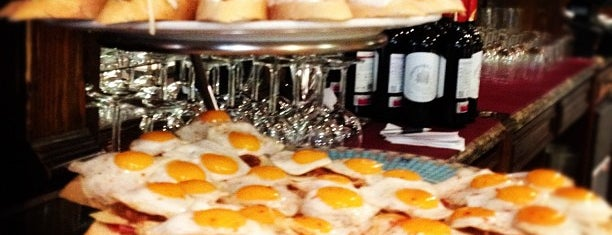 La Criolla is one of comidas.
