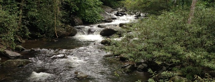 น้ำตกป่าละอู is one of Places in the world.