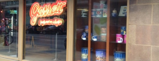 Garrett Popcorn Shops is one of Chicago Palace Places To Go.