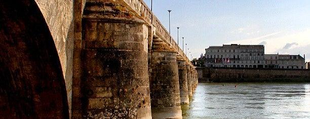 Pont des Cadets de Saumur is one of Saumur.