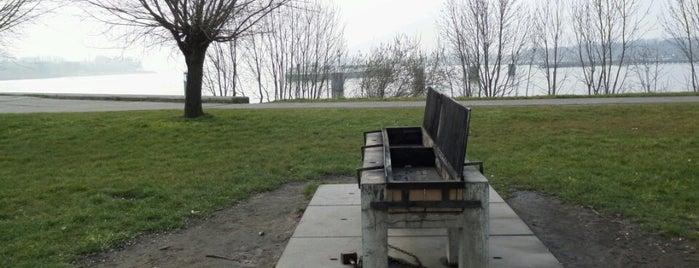 Wandelpad Kaaien is one of Antwerpse parken met BBQ.