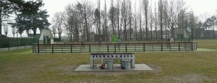 Openluchtzwembad De Molen is one of Antwerpse parken met BBQ.