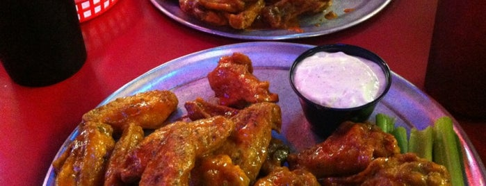 Pluckers Wing Bar is one of Dallas Foodie.