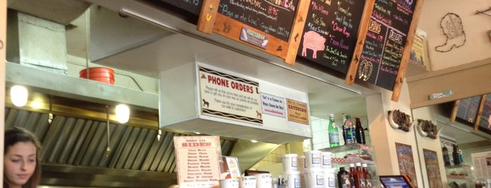 Best Lil' Porkhouse is one of Rob's Food Spots.